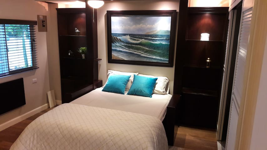 Beach Bungalow downstairs deluxe 1st floor studio - Playa Hermosa - Appartement