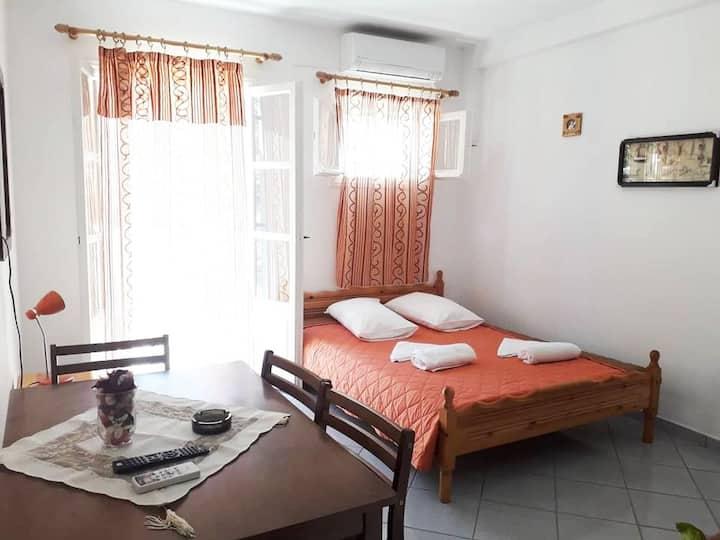 Armonia Rooms Maria Portokali 3