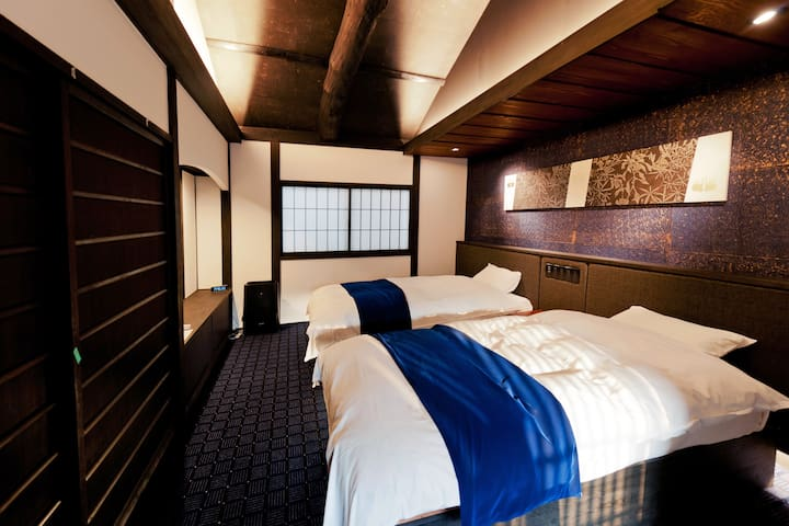 Legal-Downtown Kyoto, 5min walk to Imperial Palace