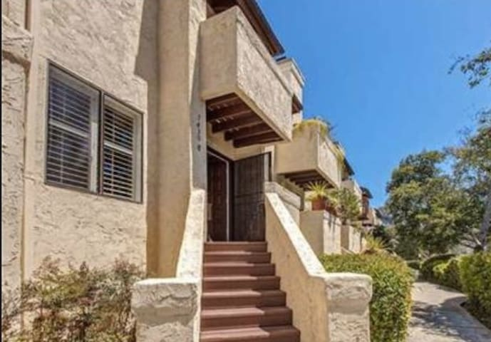 Cute 2 bedroom townhouse in the heart of San Diego - San Diego - Townhouse