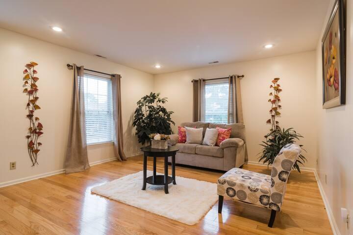 Concierge1 Bedroom Apartment, Gated Community