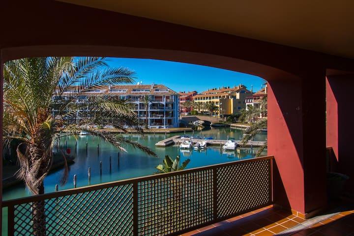 Precioso apartamento en el Puerto de Sotogrande