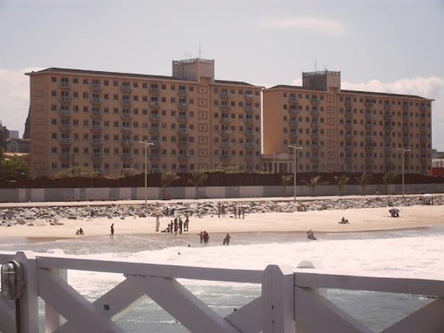 Flat na praia de Iracema com vistas ao mar