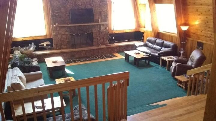 Private Room For Group Travelers At Rustic Lodge