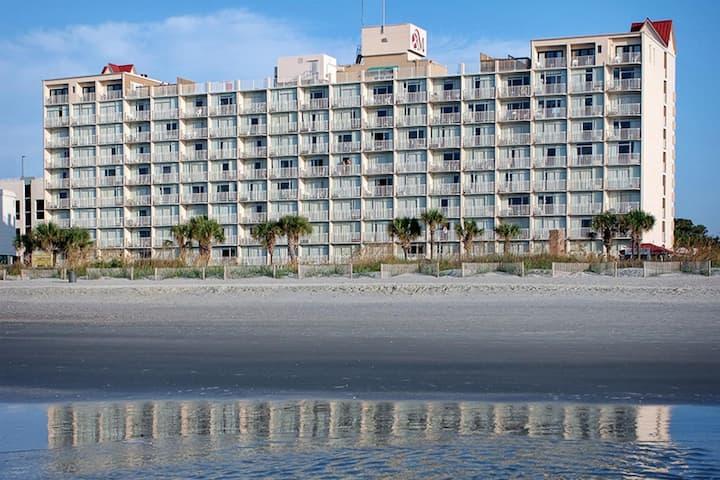 Two Bedroom Ocean Front Luxury Condo, Myrtle Beach (A642)