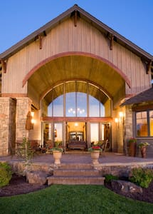 Stunning Brasada Ranch Resort Executive Home - House