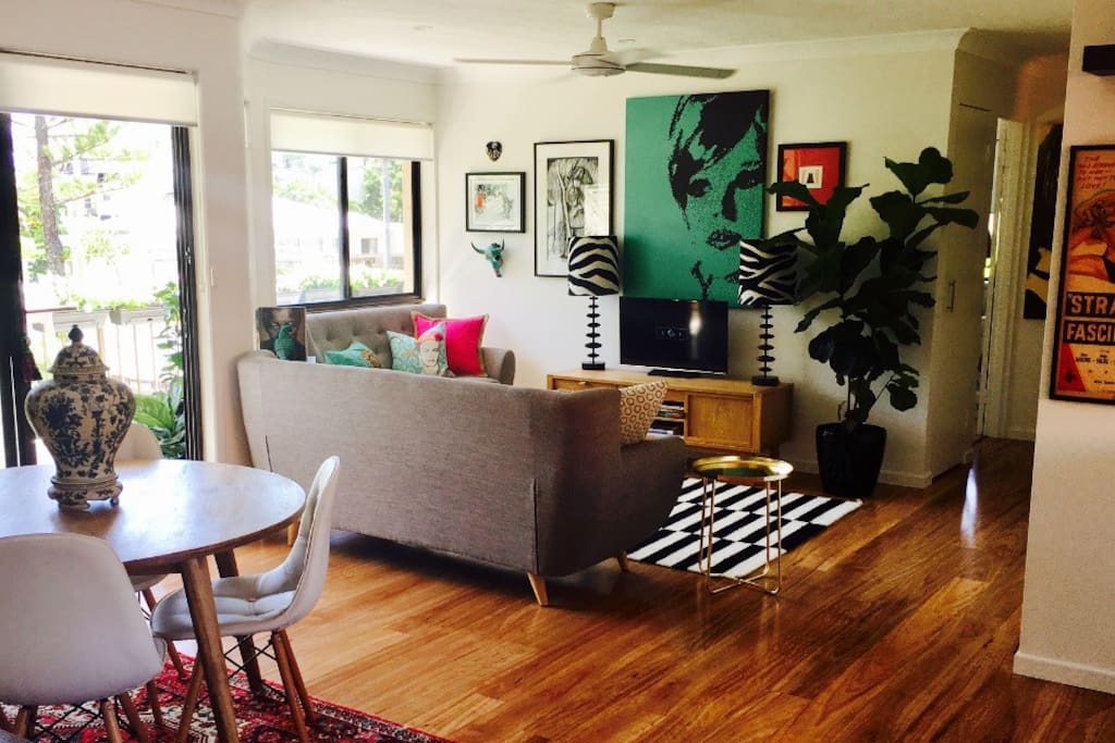 Brand new and tastefully renovated showcasing my love of art & design. Welcome to Jo's place.
