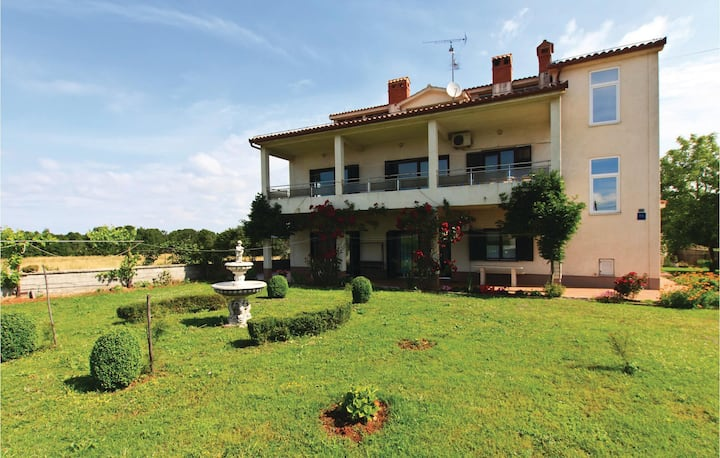 Amazing home in Muntic with WiFi and 2 Bedrooms
