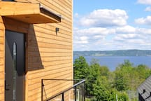 View from entry towards the lake. The entry door has a code lock, so no keys are used while staying at Nivå 84