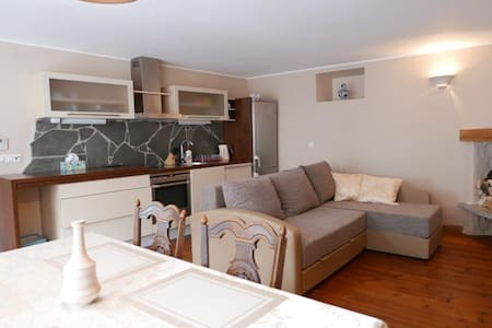 Quiet penthouse with terrace in Old Town - Таллинн - Квартира
