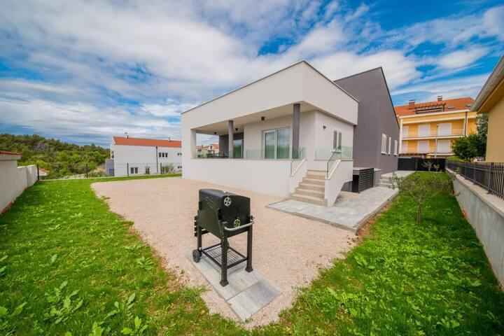 5* Holiday villa, Biograd