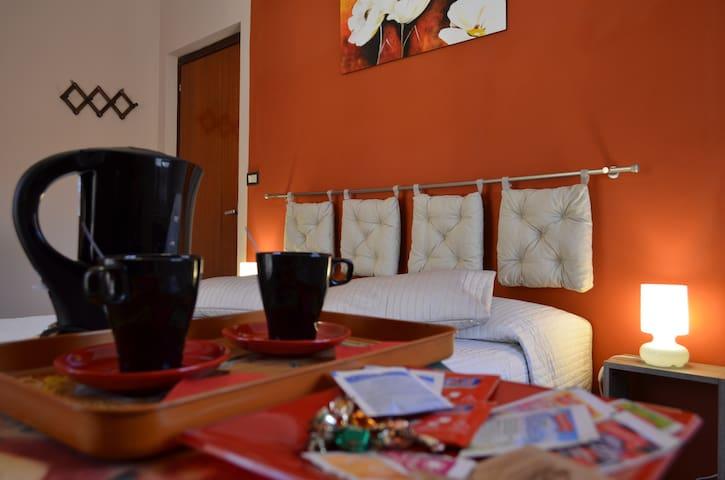 ROSA ROSSA CAMERE - Venasca, Valle Varaita - Cuneo - Venasca - Apartment