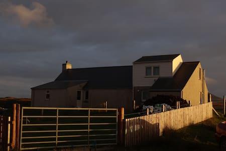 Otterview - Lochmaddy - House