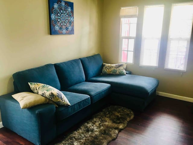 New Apartment Close To Downtown and West Hollywood