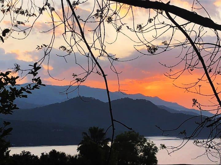 Estudio LAS PALMAS. Vista lago, montañas y ubicado