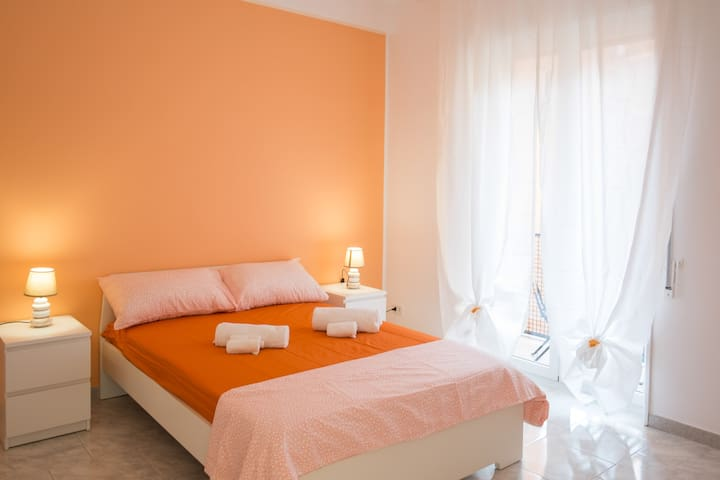 Bright and lovely room in center of Bari - R3
