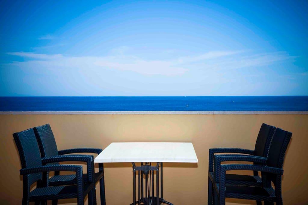 Terrassa con vistas,Terrace mit Sitz-und Liegemöglichkeit
