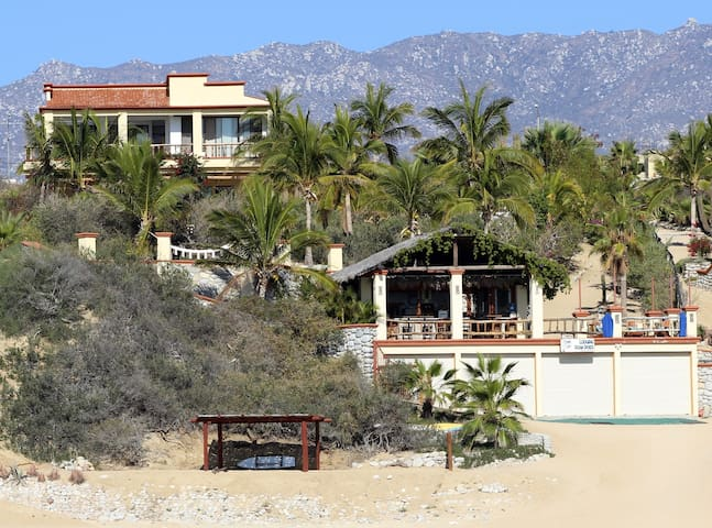 Pelican Reef Beachfront Villa Rental - La Ventana