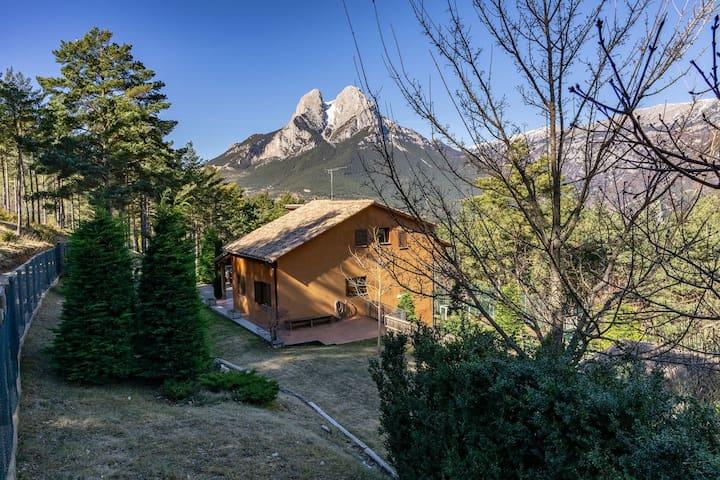 Casa Cal Roig per 12 per. al peu del Pedraforca