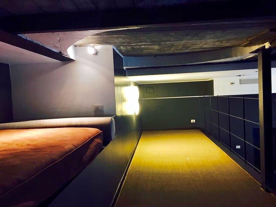 mezzanine w/mattress