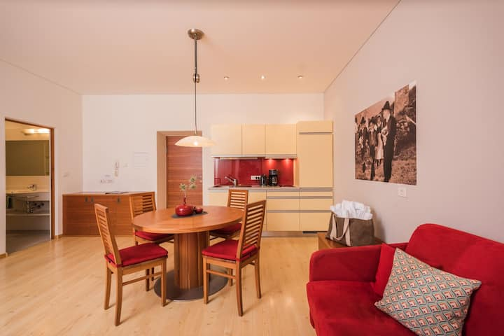 Apartment ideal für Familien, Poolblick, Services