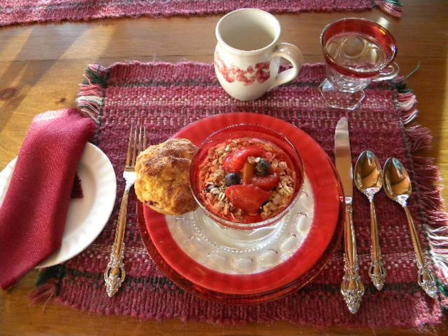 Breakfast at Stouffer Mill bnb