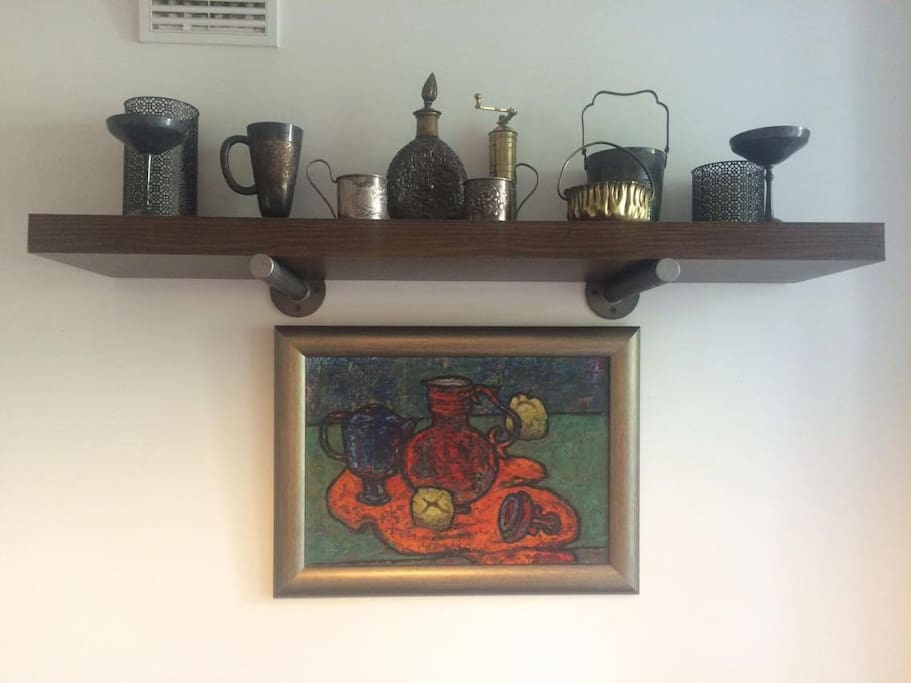 antiques and the oil painting