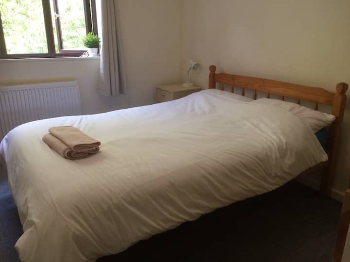 Spacious double room on edge of countryside