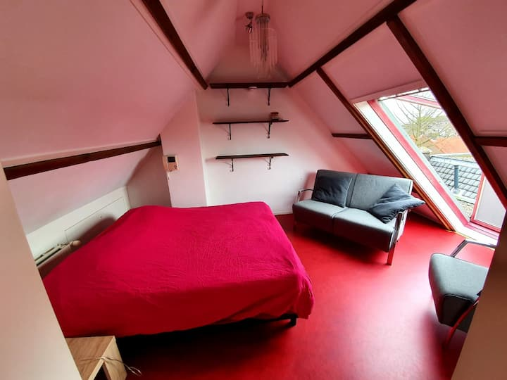 Jeanettes Place Attic room
