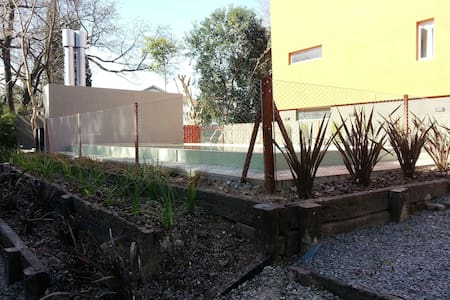Triplex con piscina sobre el río en Tigre - Rincón de Milberg - Ev