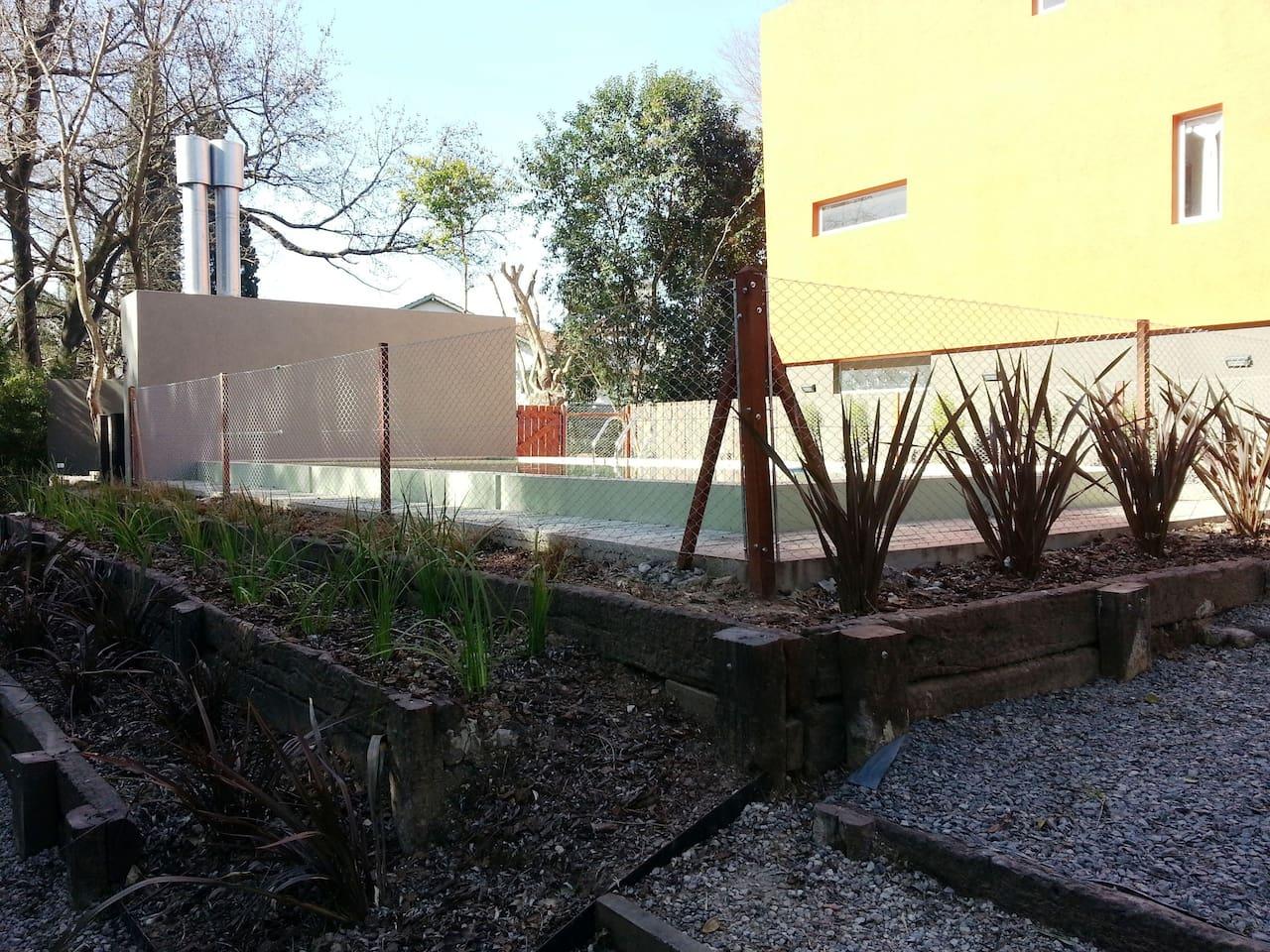 piscina compartida del complejo de sólo 15 viviendas