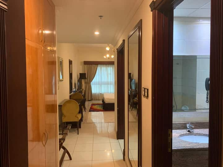 ENTIRE SERVICED FULLY FURNISHED APARTMENT