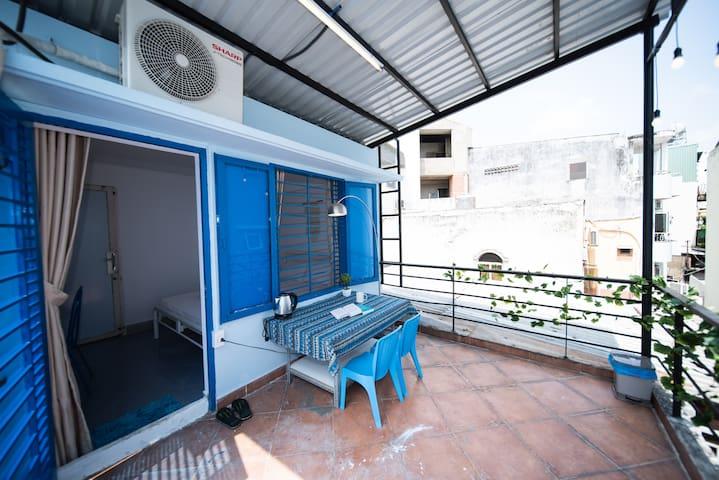 qcub4_1.3_Nomadic_Terrace+FREE Laundry+Coffee