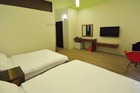 2A 獨立衛浴。2張雙人床。標準4人房(可住2-5人) - Huvila