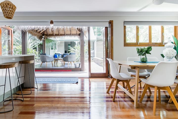 City Queenslander + Cottage,  Commercially cleaned