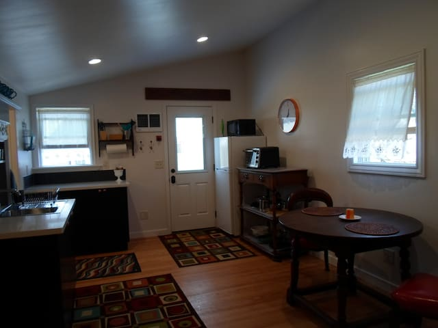 Spacious Carriage House Studio Apartment - Walnut Creek - Apartament
