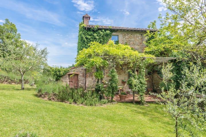 Antico Casale detto Casa del Pozzo - Barberino di Mugello - House