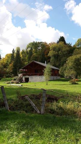 CHALET EN PLEINE NATURE DERRIERE LE MOULIN