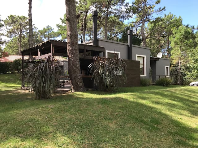 Casa en Carilo ,300mts  del mar,en pleno bosque