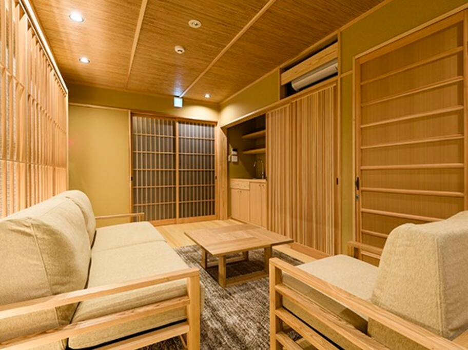 It becomes a living room made with many Japanese bamboo. Very clean, quiet and relaxing.