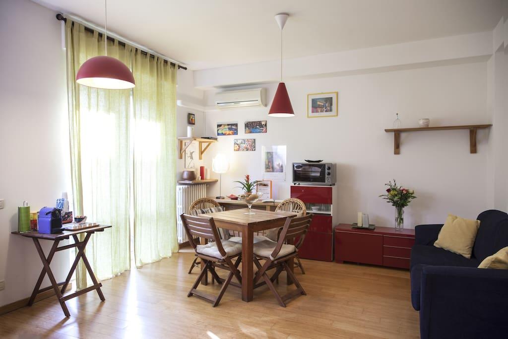 Il nostro appartamento e fornito di cucina ed un angolo per la colazione.Potete trovare tutto l'occorrente per cucinare.