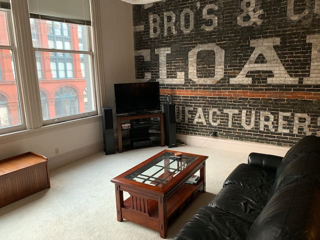 HUGE Downtown Cleveland Apartment. #1 LOCATION