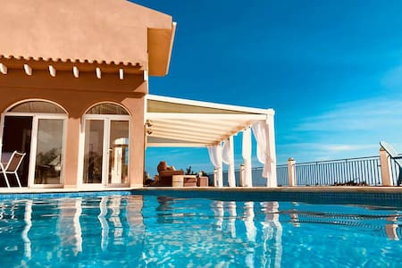 Luxury B&B with breathtaking sea views in Altea