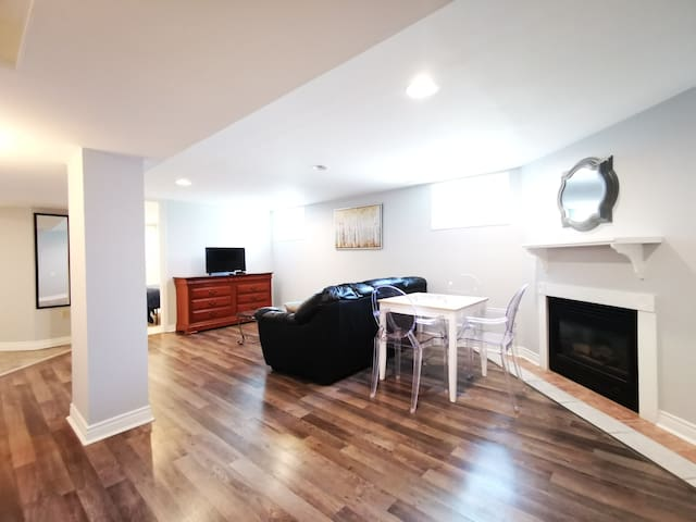 Clean Beautiful Basement Unit / Separate Entrance