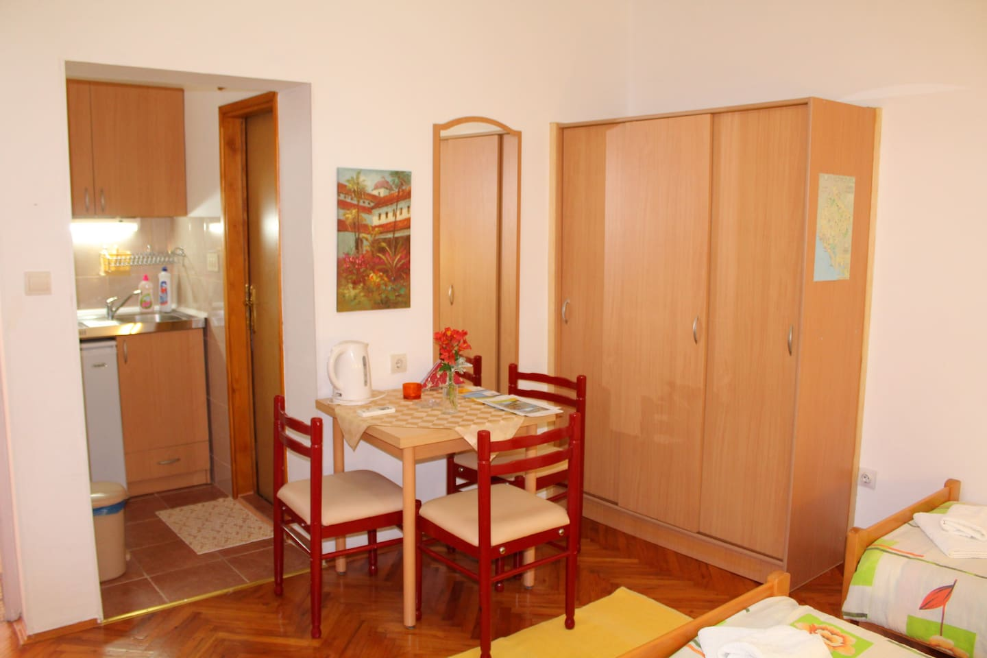 Studio apartment for three persons - dining area