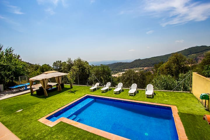 Villa Sole Sant Feliu for 8 guests, just a short drive to Barcelona! - Barcelona Region - Willa