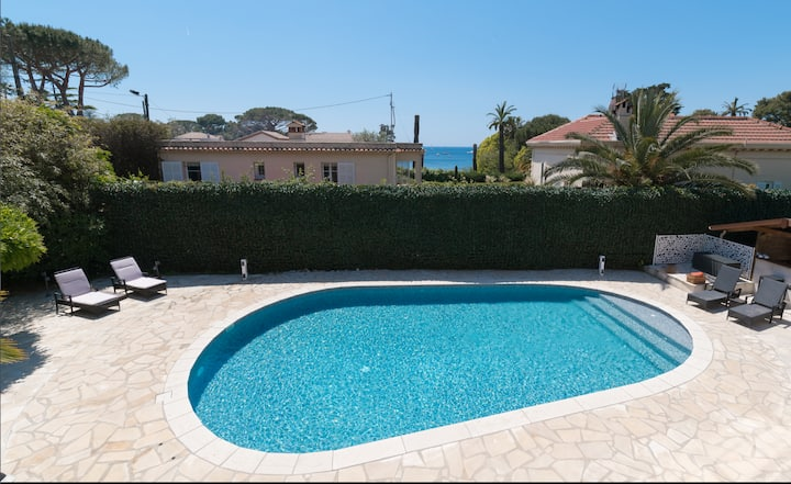 Cap d'Antibes villa ideal for family and friends