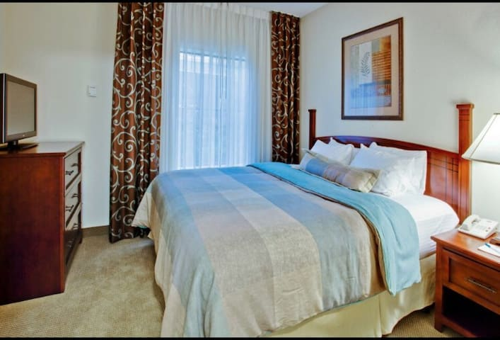 Cozy room with breakfast near Orlando airport