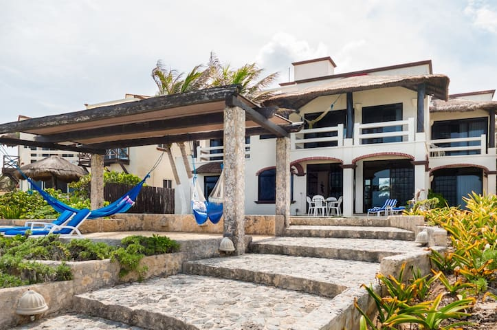 Villa Sea Gate, Oceanfront Akumal