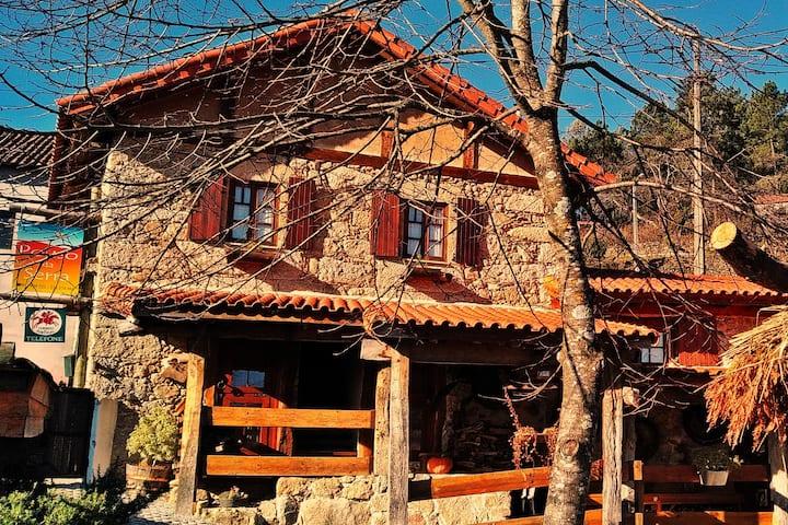 Pouso da Serra - casas de montanha - suite Jasmim
